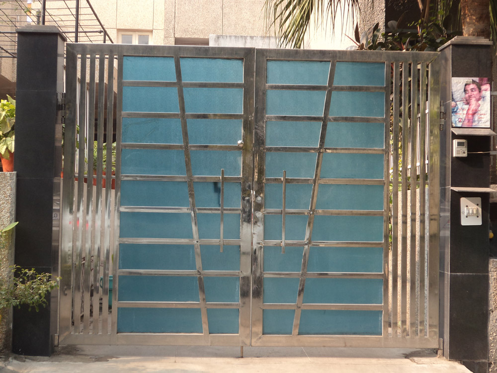 Stainless Steel Main Gate With Acrylic / Fibre Sheet