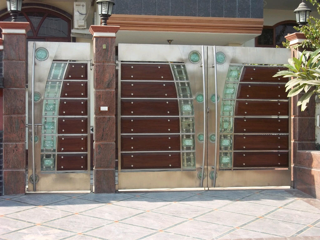 Stainless steel main gates stainless steel main gate with for Main gate door design