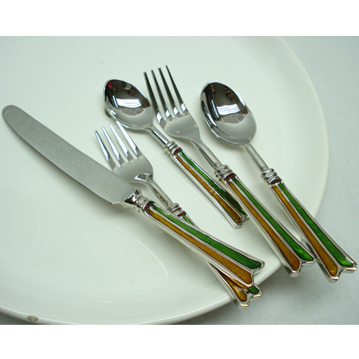 Flatware Set In Horn And Stainless Steel Material